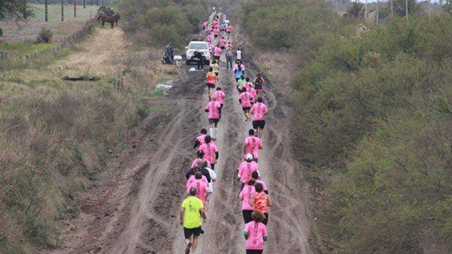 Corrieron por el cáncer de mama