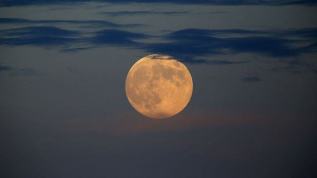 Imponente. La luz que la Luna refleja del Sol es lo que se llama una luz polarizada.