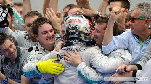 Fórmula 1: Hamilton ganó el Gran Premio de Inglaterra y se acerca al líder Rosberg
