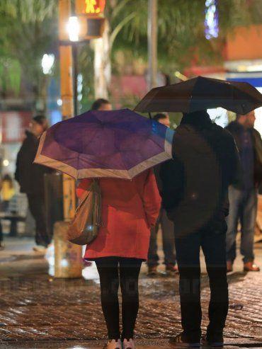 Las lluvias y lloviznas continuarían toda la semana