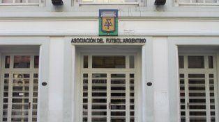 Lunes de reuniones clave para definir futuro de la AFA y detalles de la Superliga