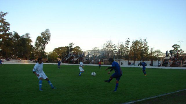 El equipo de Pedro Troglio hizo pesar la diferencia de categorías ante el Lobo uruguayense.