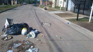 En calle Bordón se quejan del recolector