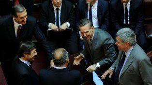 La oposición del Senado pide que suspendan el aumento en tarifas