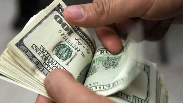 Por tercer día consecutivo bajó el precio del dólar