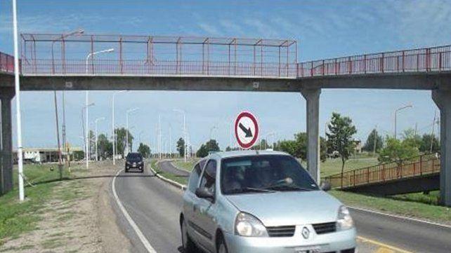Una joven se arrojó desde una pasarela en la ruta 127