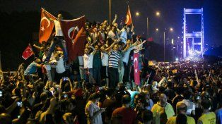 Los turcos salieron a apoyar al presidente Erdogan. Foto:Gurcan Ozturk/AFP