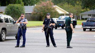 Estados Unidos: asesinaron a tres policías en un tiroteo