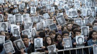 Con un acto al que asistirá Macri, la AMIA recuerda a las víctimas del atentado