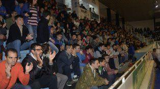 LA GENTE. Echagüe fue acompañado por mucha gente en la temporada. Las entradas representan un 5% del presupuesto.