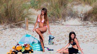La mujer de Messi derrochó sensualidad en las playas