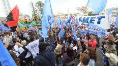 el gobierno provincial convoco a los gremios docentes a negociar salarios