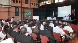 Sin audiencia pública se autorizó un aumento del 137%. Foto: Archivo UNO.