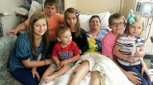 Una mujer adoptó a los seis hijos de su amiga que murió de cáncer