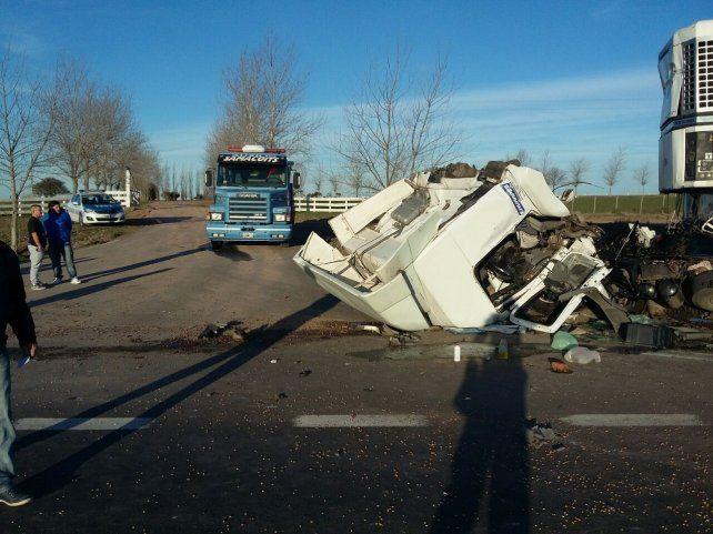 Camionero sanjuanino sufrió múltiples fracturas en un accidente en la Autovía 14