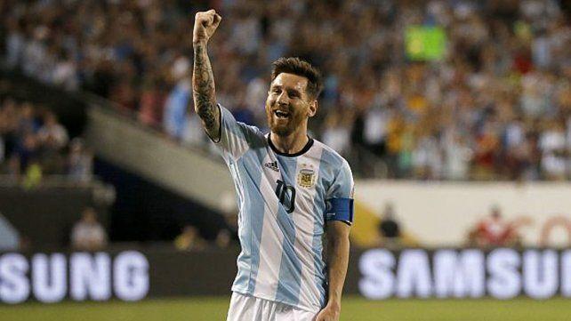 Armando Pérez espera tener una charla con Messi