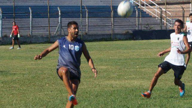 Luciano Leguizamón es uno de los referentes en el plantel del Lobo uruguayense.