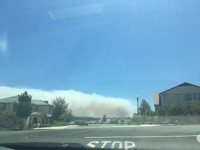 Unos 20.000 evacuados por el incendio que arrasó miles de hectáreas en California