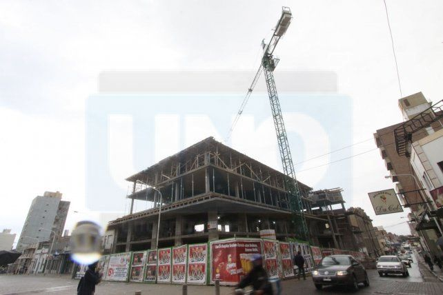 El Gobierno se reunió con el sector de la construcción por los precios de la obra pública