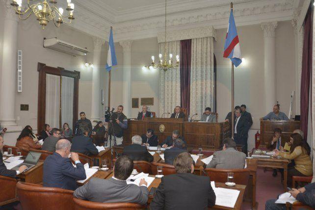 Se sancionó la ley que prohíbe el cobro del plus médico en Entre Ríos