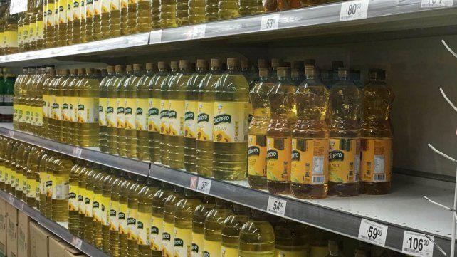 Limitación. Algunos supermercados venden solo dos botellas por grupo familiar.