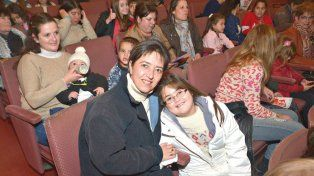 El teatro abrió sus puertas a los niños