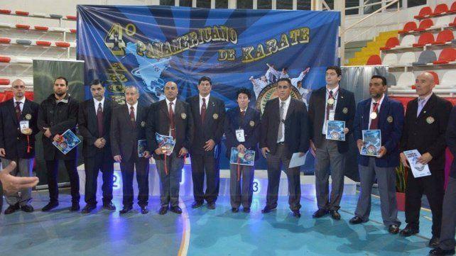 De juez. El paranaense Silvano Berón tuvo un destacada labor como árbitro del Panamericano