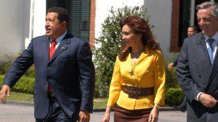 Cristina regresa a Buenos Aires para participar del homenaje a Chávez