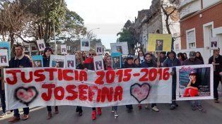 Vecinos marcharon para pedir justicia por Josefina López