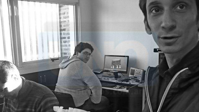 Integrantes. Juan Manuel Reta dirige el equipo de profesionales del laboratorio.
