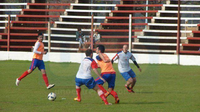 Los titulares de Atlético Paraná no pudieron anotar conquistas en los tres amistosos que disputaron.