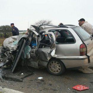 accidente fatal en la ruta 12 entre una hilux y un palio