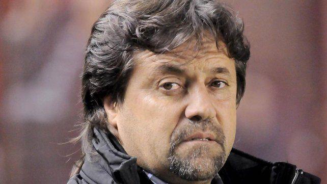 Caruso Lombardi se metió en la carrera por la Selección: se reunió con Armando Pérez