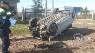 Despistó y volcó un vehículo oficial de la Gobernación
