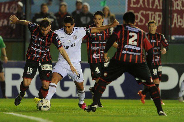 Lanús derrotó 2-0 a Patronato y lo eliminó de la Copa Argentina