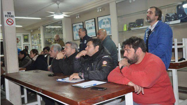 Los asistentes escucharon con atención los conceptos vertidos por los oradores.
