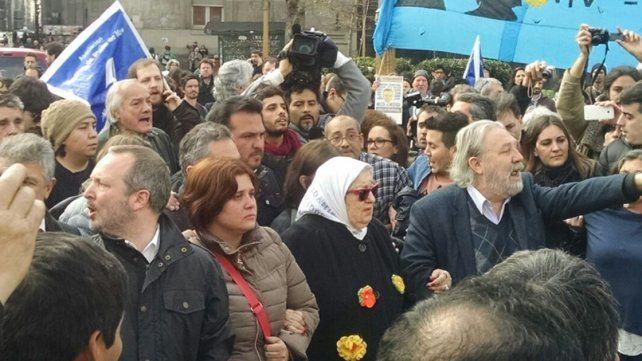 Bonafini encabezó la marcha de los jueves luego de la orden para detenerla