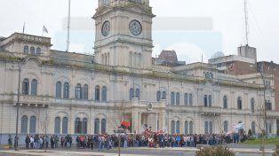 El Gobierno dispuso el descuento salarial a docentes que adhirieron al paro