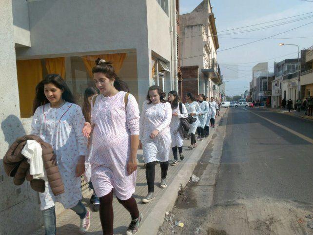 Robo de bebés: embarazadas realizaron una intervención en las calles de Paraná