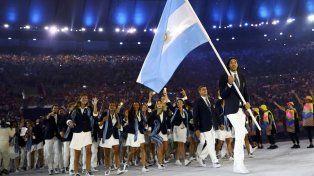 La delegación argentina desfiló en la apertura de ayer por la noche.