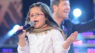 Constanza, la niña revelacón, cantó con su ídolo Jorge Rojas