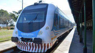 El tren hace el recorrido entre Paraná y Colonia Avellaneda y regreso todos los días.
