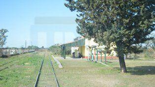 Postales. El tren hace el recorrido entre Paraná y Colonia Avellaneda y regreso todos los días.