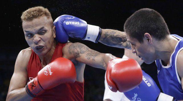 El púgil argentino Ignacio Perrín fue derrotado por tailandés Ruenroeng en Río 2016