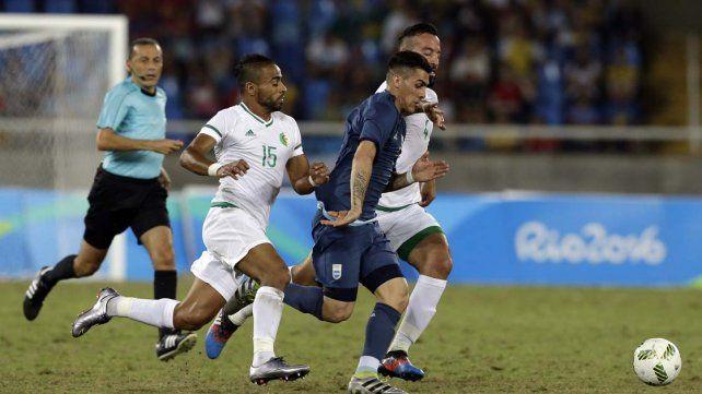 Argentina venció a Argelia y buscará la clasificación frente a Honduras