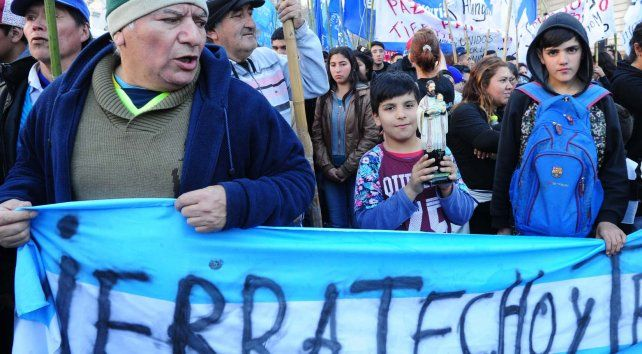 Masivas celebración y marcha en Buenos Aires por el Día de San Cayetano