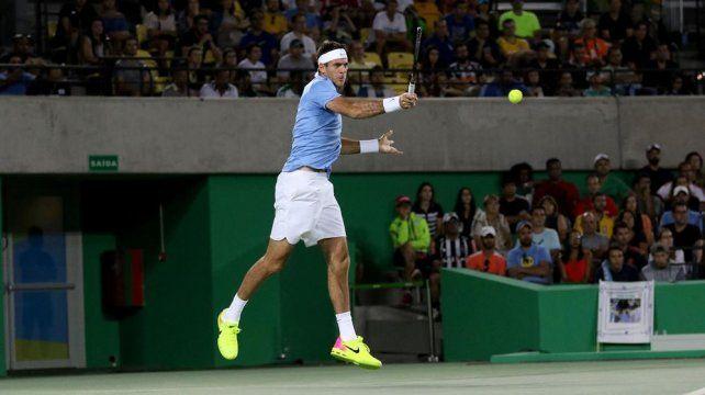 Del Potro debutó en single con un enorme triunfo ante Novak Djokovic