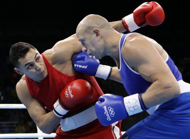 El púgil Yamil Peralta derrotó al alemán Graf y avanzó a cuartos de final