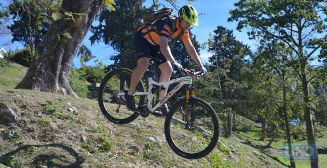Los bikers se van para Trasmontaña