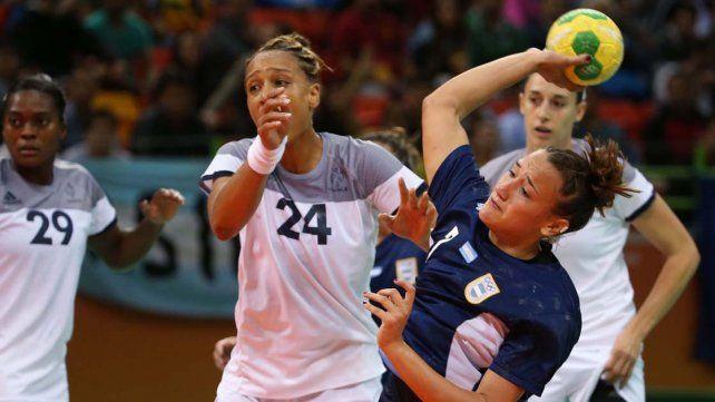 La selección femenina de handball perdió ante Francia